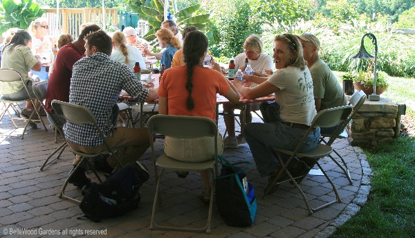 A Day With Perfect Weather And Hy Throng Of People At North Creek Nurseries Enjoying Lunch There Are Landscapers Nurserymen Garden Writers
